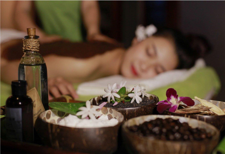 massaggio con fango anticellulite donna